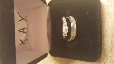 14 karat white gold diamond wedding set