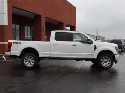 2018 Ford Super Duty F-250 SRW Platinum 4WD Crew Cab 6.75' Bo (White)