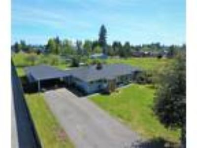 Tacoma Real Estate Home for Sale. $400,000 3bd/1.75 BA. - Katie Knudtson of
