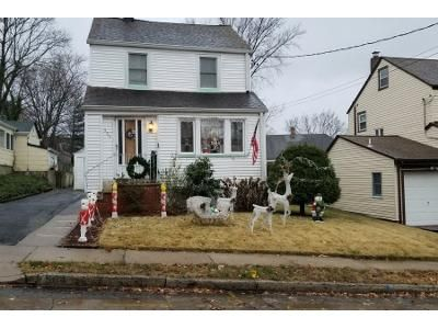 3 Bed 2 Bath Preforeclosure Property in Teaneck, NJ 07666 - Maple Ave