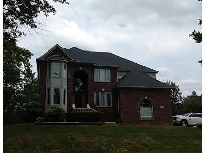 4 Bed 3 Bath Preforeclosure Property in Walled Lake, MI 48390 - Clubwood Dr