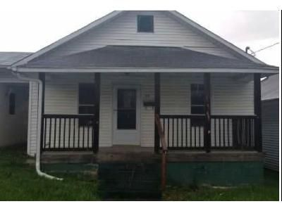 2 Bed 2 Bath Foreclosure Property in Saint Albans, WV 25177 - Spring St