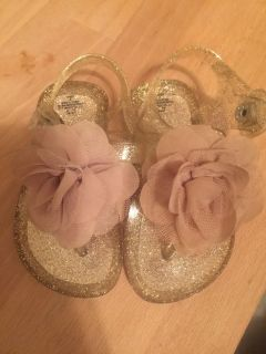 Toddler size 4 jelly sandals