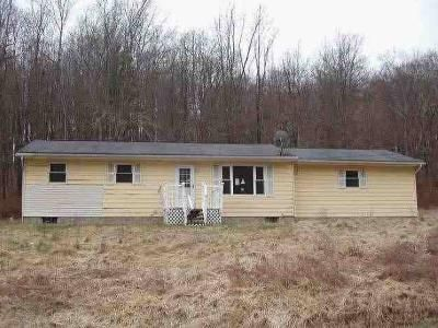 3 Bed 2 Bath Foreclosure Property in Newark, OH 43055 - Pinewood Trl