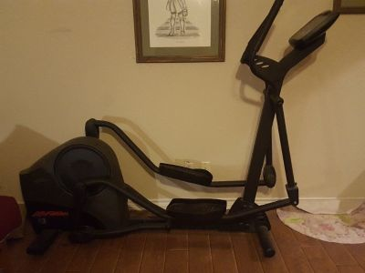 Life Fitness X3 Cross Trainer