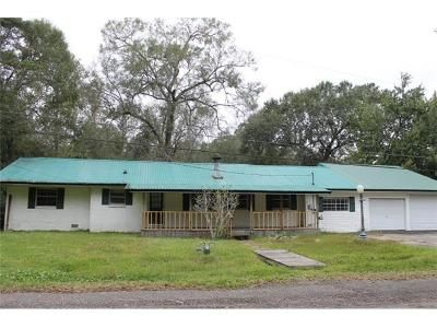 4 Bed 2 Bath Foreclosure Property in Orange, TX 77630 - 33rd St