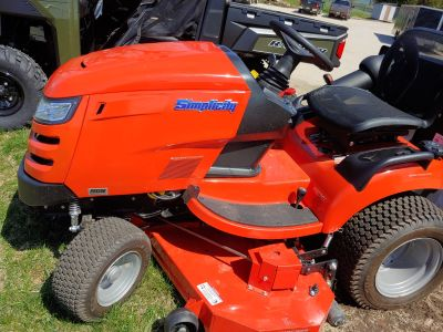 2019 Simplicity PRESTIGE 27/52 Lawn Tractors Fond Du Lac, WI