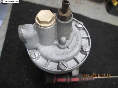 36HP fuel pump with bakelite base