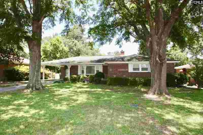 1120 GARDEN Street CAYCE Three BR, Fantastic opportunity in