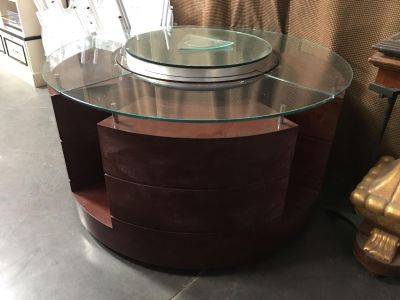 Round Display Unit (great for items your selling)
