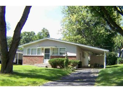 3 Bed 1.5 Bath Foreclosure Property in Saint Louis, MO 63114 - Lesmer Ct