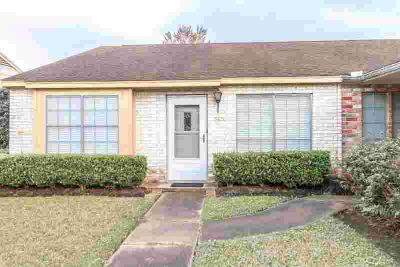 5835 Meadow Way Beaumont Two BR, COZY HOME! This neat & clean 1
