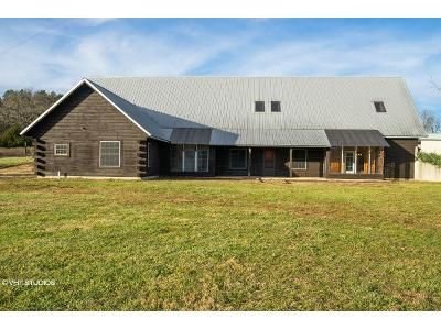4 Bed 5.5 Bath Foreclosure Property in Willow Springs, MO 65793 - County Road 5500