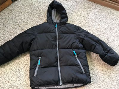 Old Navy Boys Black winter puffer coat, size M(