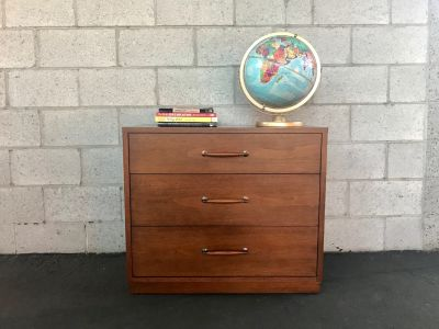 MID CENTURY MODERN 3 Drawer Dresser/Changing Table