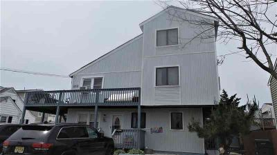 212 Vernon Pl BRIGANTINE, JUST A BLOCK FROM THE BEACH!