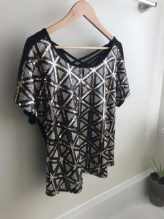 Women s Sequined Geometric Shaped Top