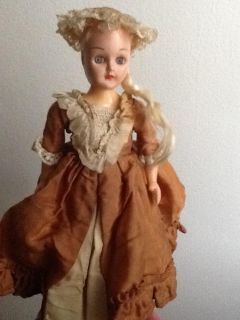 Colonial Doll Antique
