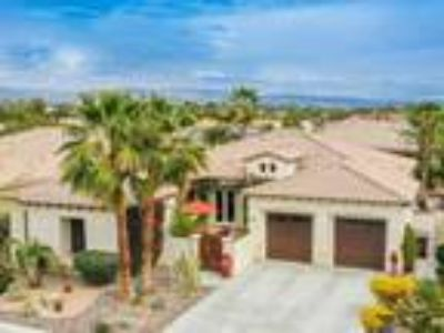 Easy Desert Lifestyle in Palm Desert