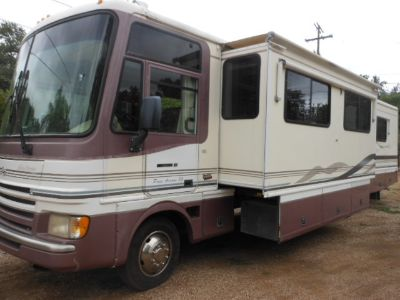 1999 Fleetwood PACE ARROW 35