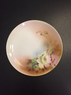 Lovely Nippon Plate, 6 1/2 in diameter, in excellent condition, no chips or cracks
