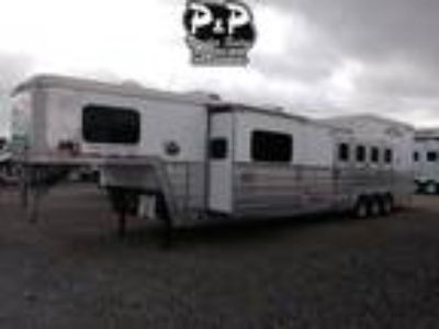 2016 Bloomer 4 Horse 17 FT w/ Trail Boss Conversion 4 horses