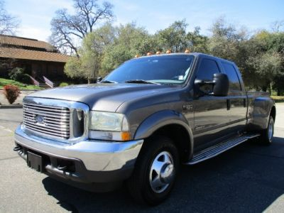 2002 Ford Super Duty F-350 DRW Crew Cab 172 XLT