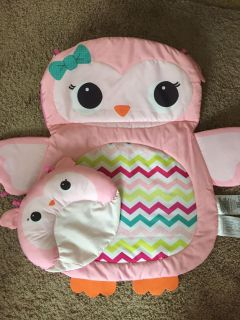 Baby girl play mat & tummy time pillow
