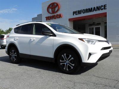 2016 Toyota RAV4 LE (white)