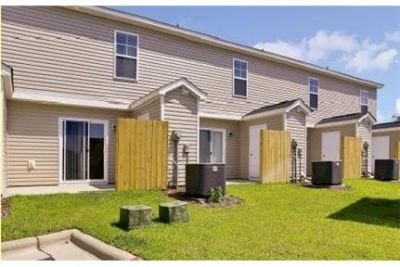 2 bedrooms Townhouse - Kingsley Townhomes is a brand new apartment community in Fayetteville. Dog OK