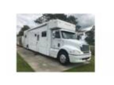 2007 United Specialties 42 Single Axle Motorcoach