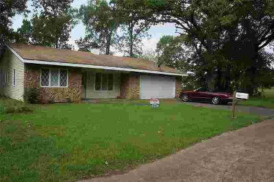 260 Candlelight Lane LIVINGSTON, Three BR Two BA brick home