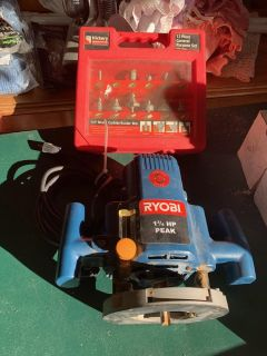 """Ryobi Router and Hickory Woodworking 12 Pc. 1/4"""" Shank Carbide Router Bits $95"""