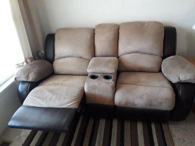Dual reclining love seat