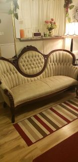 Victorian 3pc cream/cherry wood/couch+2chair set