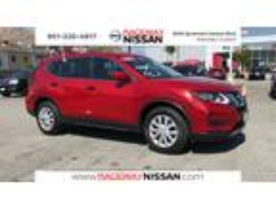 Used 2017 Nissan Rogue Red, 35.6K miles