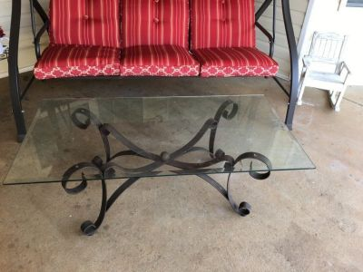 Coffee table/Two end tables