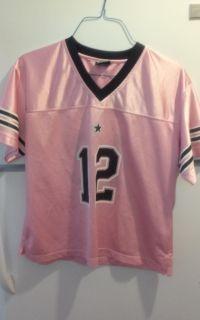 Pink Dallas Cowboys jersey in excellent condition medium size no holds cross-posted