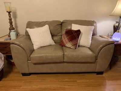 Love Seat ( needs to be picked up by Thursday)