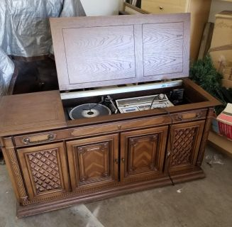 VINTAGE STERIO SYSTEM..MOVING, NO ROOM , MUST SALE