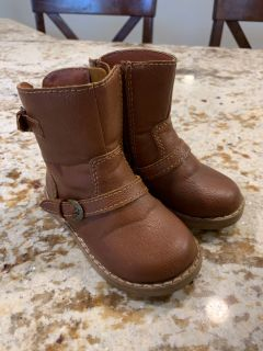Baby Gap boots size 6