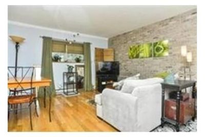 1 bedroom Condo - Beautifully maintained and updated.