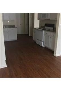 Beautifully renovated townhome over 1600.