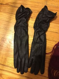 Leather gloves small