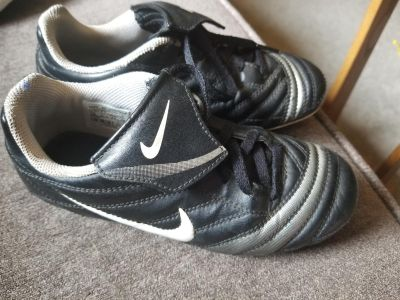 Nike soccer cleats size 13