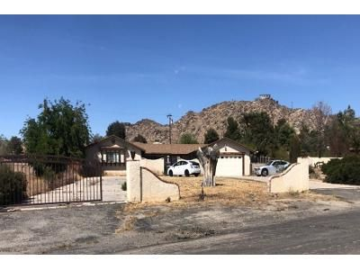 3 Bed 2.5 Bath Preforeclosure Property in Apple Valley, CA 92307 - Tinne Rd