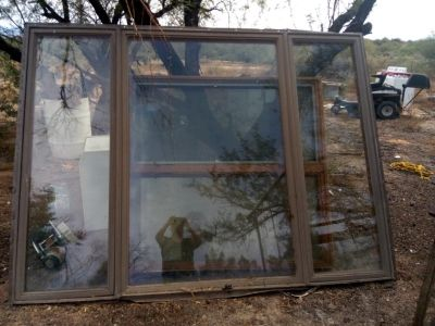 Large Window with open side windows
