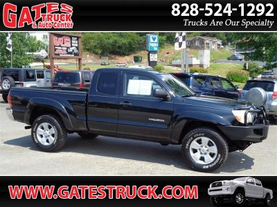 2006 Toyota Tacoma Base (Black)
