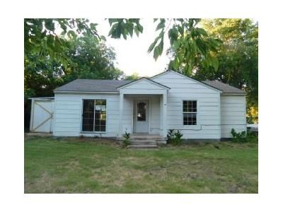 2 Bed 1 Bath Foreclosure Property in Fort Worth, TX 76114 - Waggoner Ln