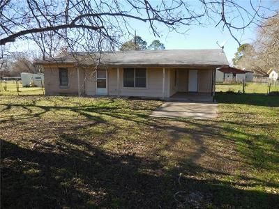 2 Bed 1 Bath Foreclosure Property in Smithville, TX 78957 - Eagleston St